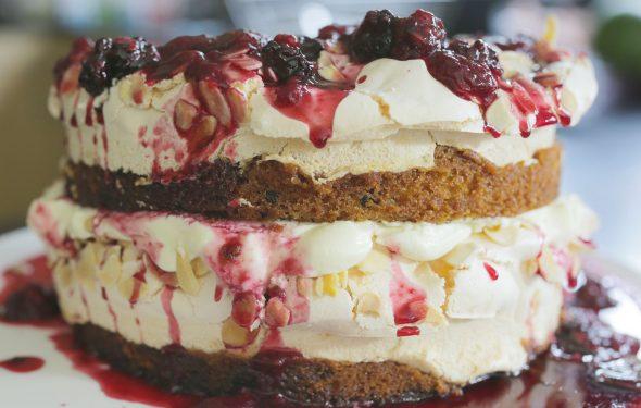 blackberry meringue cake