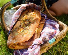 Cumberland Sausage Slippers Recipe | Carr's Flour