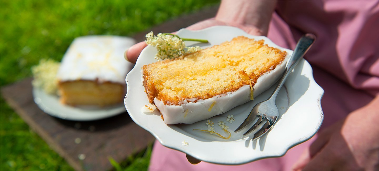 Elderflower and Lemon Drizzle Loaf Cake Recipe | Carr's Flour