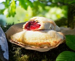 Hedgerow Fruit Pasties Recipe | Carr's Flour