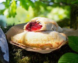 Hedgerow Fruit Pasties Recipe | Carr's Flour
