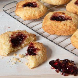 Raspberry Buns Recipe | Carr's Flour