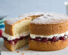 Victoria Sandwich Recipe | Carr's Flour